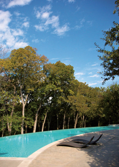 Modern Pools by Bonick Landscaping