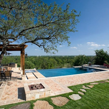 Infinity Pool In New Braunfels With Hill Country Views
