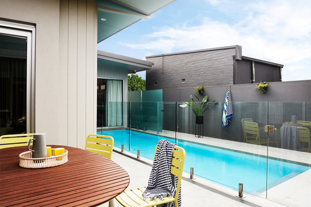 Contemporary Pool by schemes & spaces