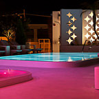 Outdoor living modern pool san francisco by for Chaise and lounge aliso viejo