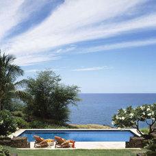 Tropical Pool by RYAN ASSOCIATES GENERAL CONTRACTORS