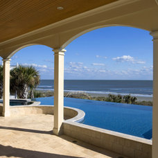 Tropical Pool by Brown Contractors Fine Custom Homes