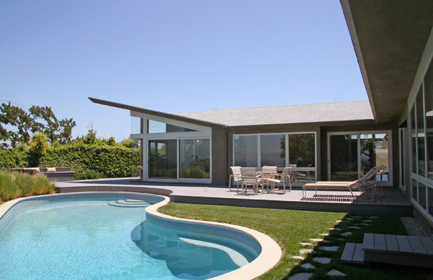 Contemporary Pool by Lewis / Schoeplein architects