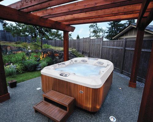 Fotos de piscinas dise os de piscinas y jacuzzis con for Jacuzzi en patios pequenos