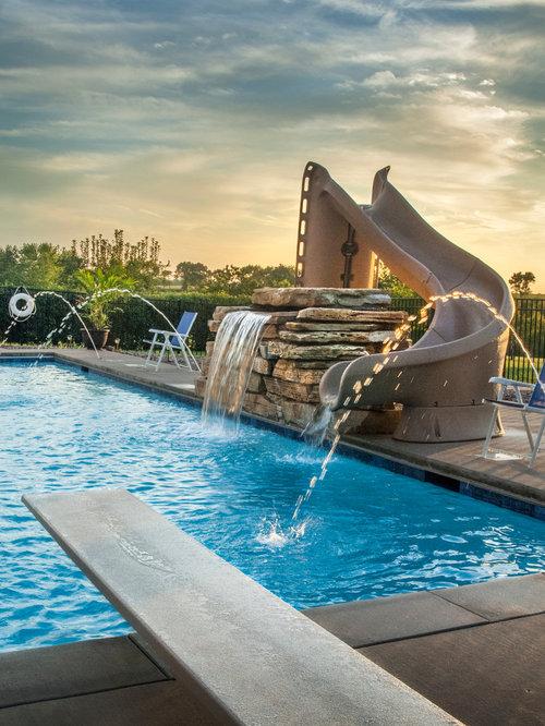 Piscinas alargadas fabulous piscinas para jardines for Piscinas alargadas