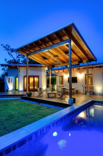 Modern Pool by josh wynne construction