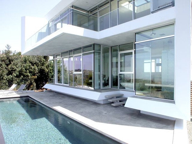 Modern Pool by Kanner Architects - CLOSED