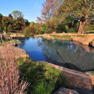Idées déco pour une piscine montagne.