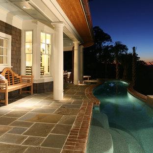 Immagine di una piscina stile shabby