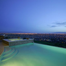 Contemporary Pool by Sun West Custom Homes LLC