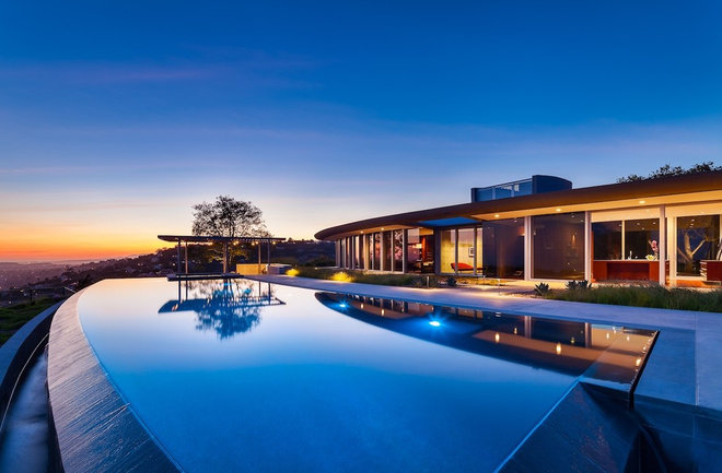 Modern Pool by Neumann Mendro Andrulaitis Architects LLP