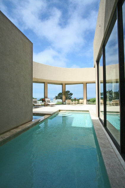 Contemporary Pool by Steigerwald-Dougherty, Inc.
