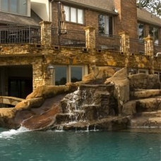 Modern Pool by Hilltop Pools and Spas, Inc.