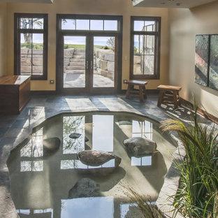Diseño de piscina rural, pequeña, interior
