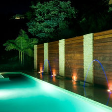 Modern Pool by DesignBlue, Inc.