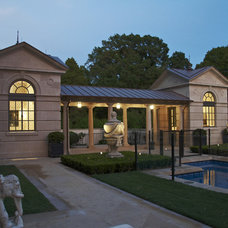 Traditional Pool by Institute of Classical Architecture & Art - Texas