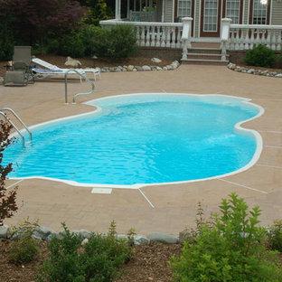 Leading Edge - St. Clair Fiberglass Swimming Pool