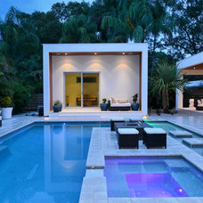 Contemporary Pool by Ampersand Construction LLC