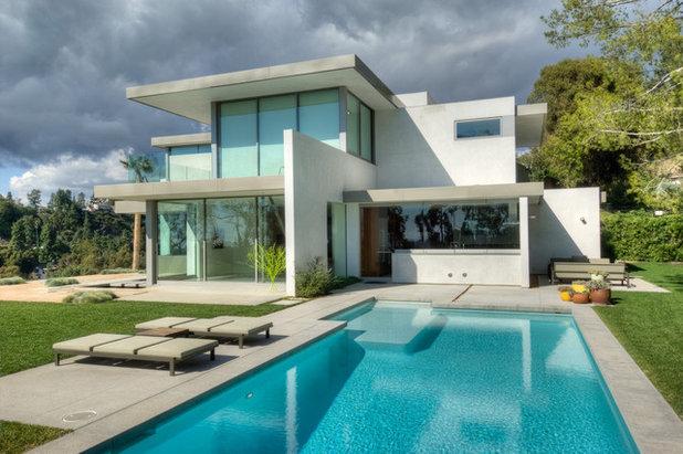 Modern Pool by Bertram Architects