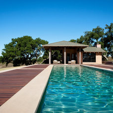 Contemporary Pool by Drammer Construction, Inc.
