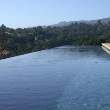 Modern Pool by Skyline design studio