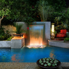 Tropical Pool by Estate Pools & Landscapes
