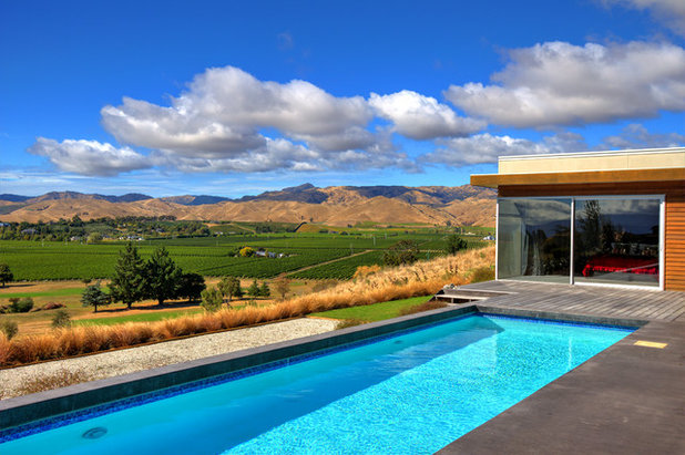 Contemporary Pool by Hawkins Architecture