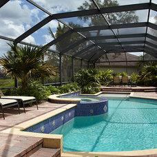 Tropical Pool by Wyman Stokes Builder LLC