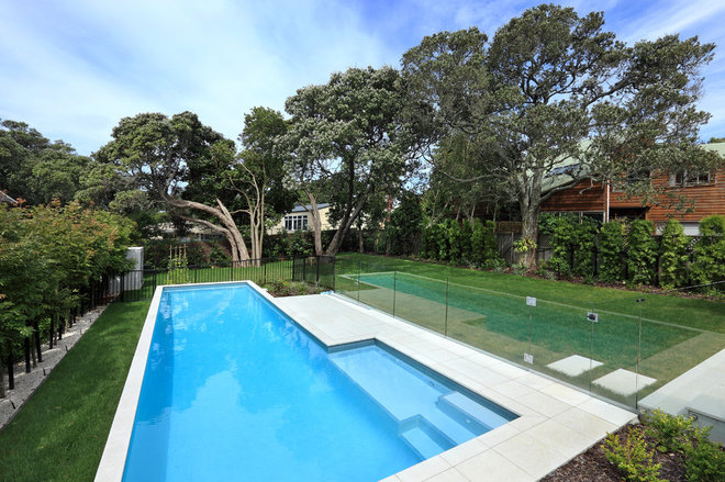 Contemporary Pool by jessop  architects