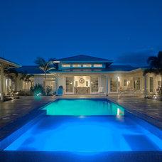 Tropical Pool by Heffel Balagno Design Consultants