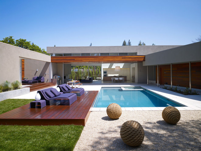 Contemporary Pool by Matarozzi Pelsinger Builders