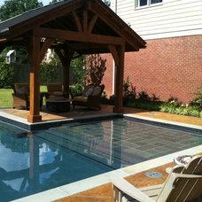 Modern Pool by Michael Hatcher & Associates, Inc.