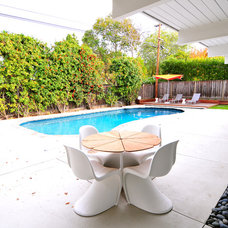 Midcentury Pool by Urbanism Designs