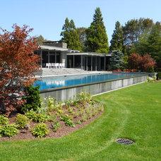 Midcentury Pool by J. Tortorella Swimming Pools