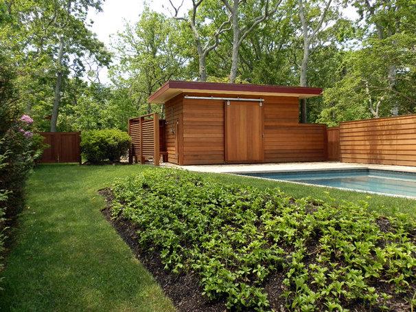 Contemporary Pool by Lear & Mahoney Landscape Associates