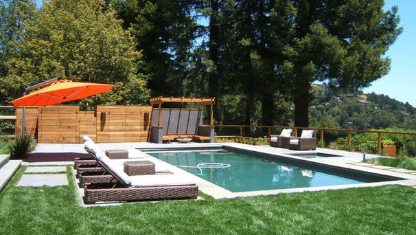 Modern Pool by Outer space Landscape Architecture