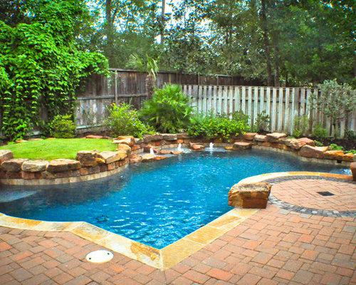 Mid-sized Backyard Pool Design Ideas, Renovations & Photos