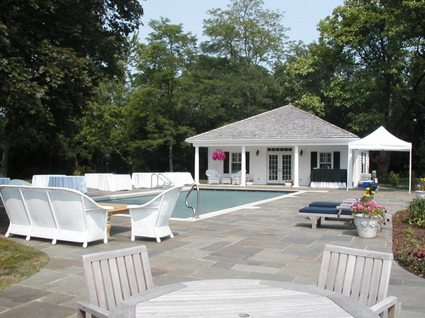 Traditional Pool by MJG Construction, LLC