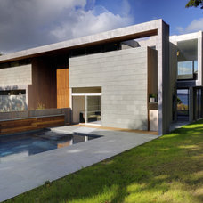 Modern Pool by Bates Masi Architects LLC
