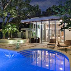 Modern Pool by Dawn Kaiser Design, LLC.