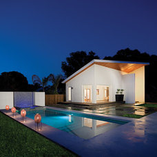 Modern Pool by Jonathan Parks Architect