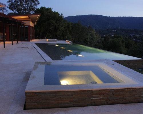 Negative edge pool houzz for Pool jacuzzi design
