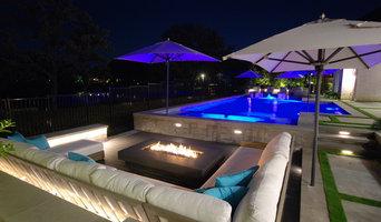Modern Southlake Pool Courtyard
