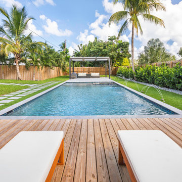 Modern Straight Line Pool & Spa in Fort Lauderdale