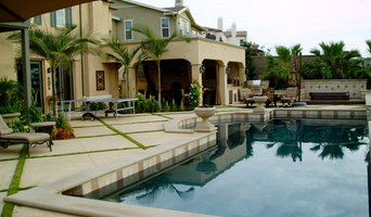 modern tuscan dramatic pool, outdoor living room,