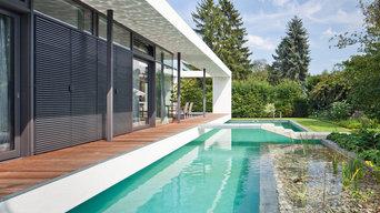 Moderner Pool am Architektenhaus mit Brücke ( Haus 1)
