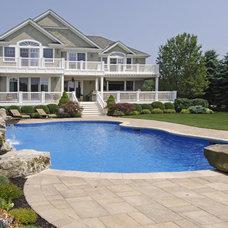 Traditional Pool by James Traynor Custom Homes