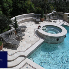 Traditional Pool by Vita Nova Mosaic, Inc.