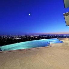 Modern Pool by Elizabeth Carmichael - ECOhouse