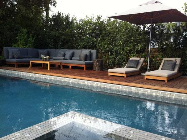 Contemporary Pool by MTLA- Mark Tessier Landscape Architecture